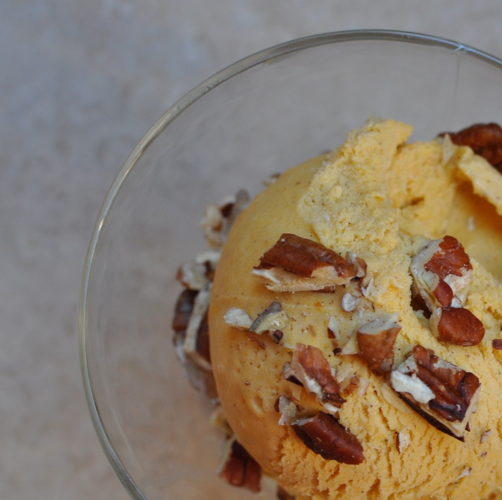 Pumpkin Ice Cream with Toasted Pecans #primal #grassfed
